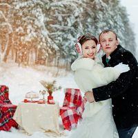свадьба зимой, оформление в красном цвете