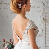 гладкая свадебная прическа