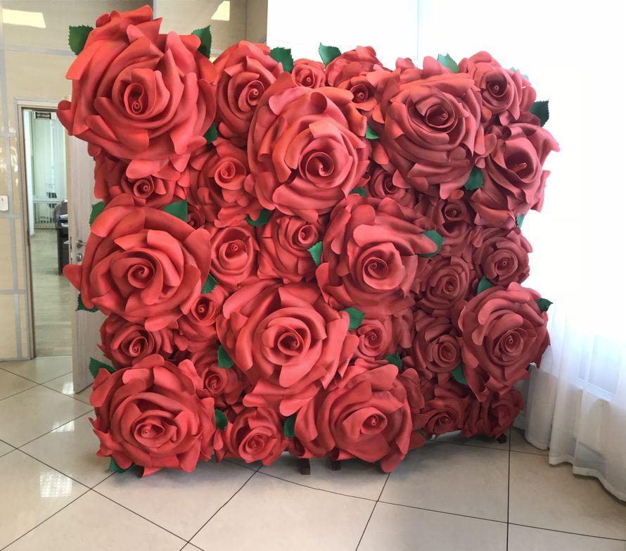 """Фотозона """"Стена из роз"""""""