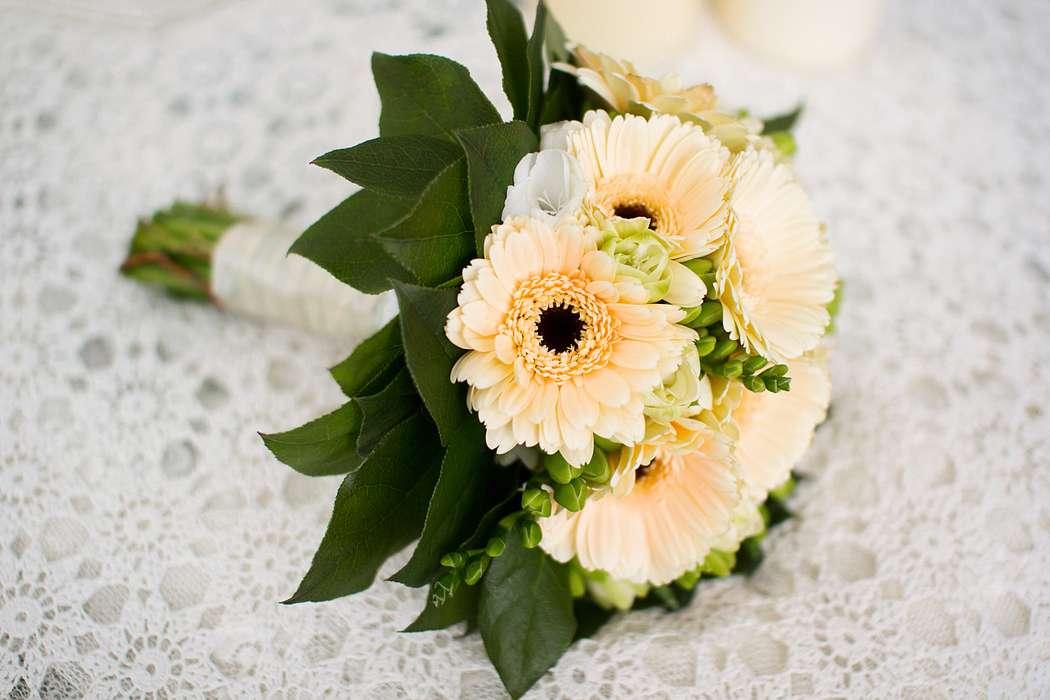 Невесты, букет невесты только из герберов