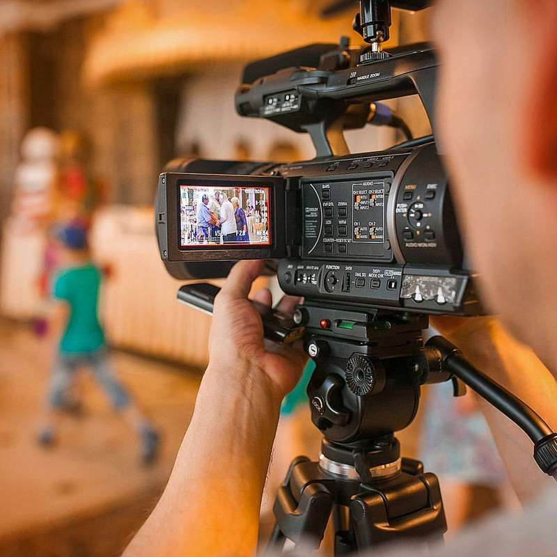 Видеооператор в Омске. Видеосъёмка свадеб Омск - фото 11383414 Видеосъёмка - Сергей Хаханов