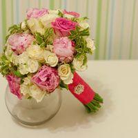 Розовый букет невесты с пионами