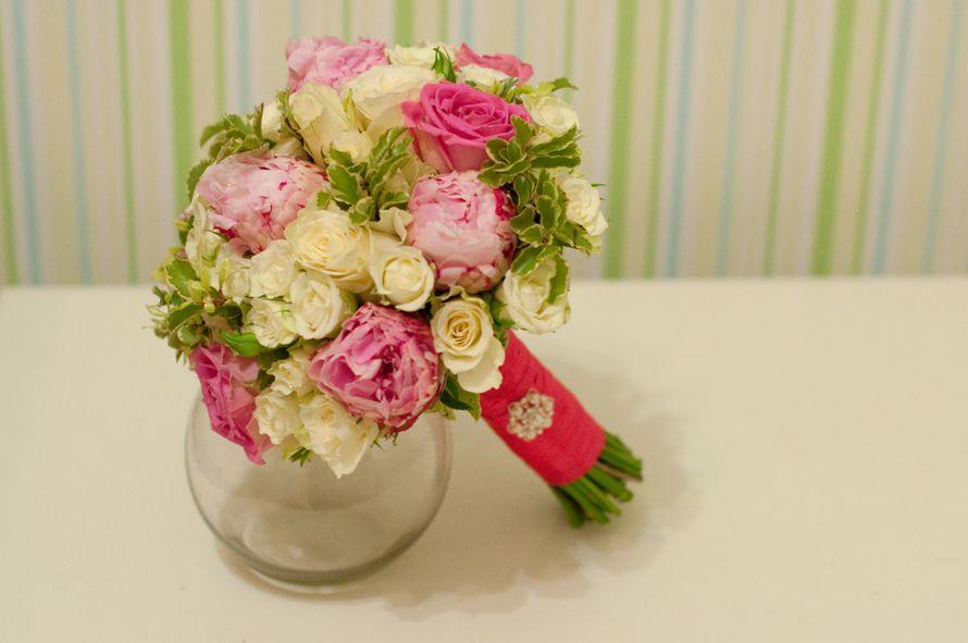 Роз, букет цветов розово-зеленый