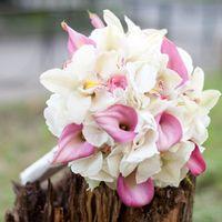 букет невест с каллами
