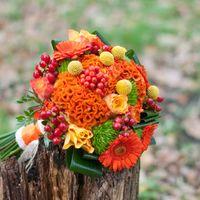 оранжевый букет невесты кружево