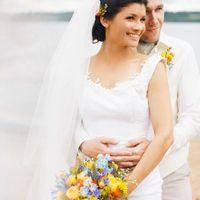 яркий летний разноцветный букет невесты