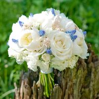 Белый букет невесты с гиацинтами и морскими звездами