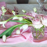 оформление стола каллы тюльпаны