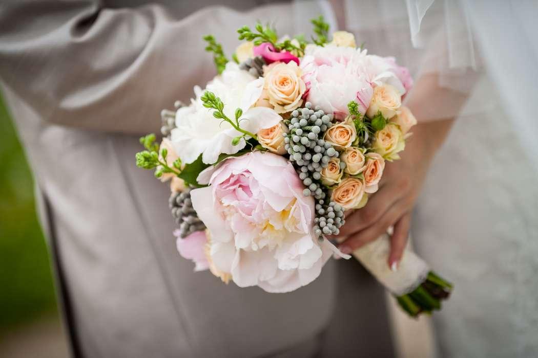 """свадебный букет из пионов и кустовой розы - фото 1544431 """"Несен Студио"""" - свадьба продуманная до мелочей"""