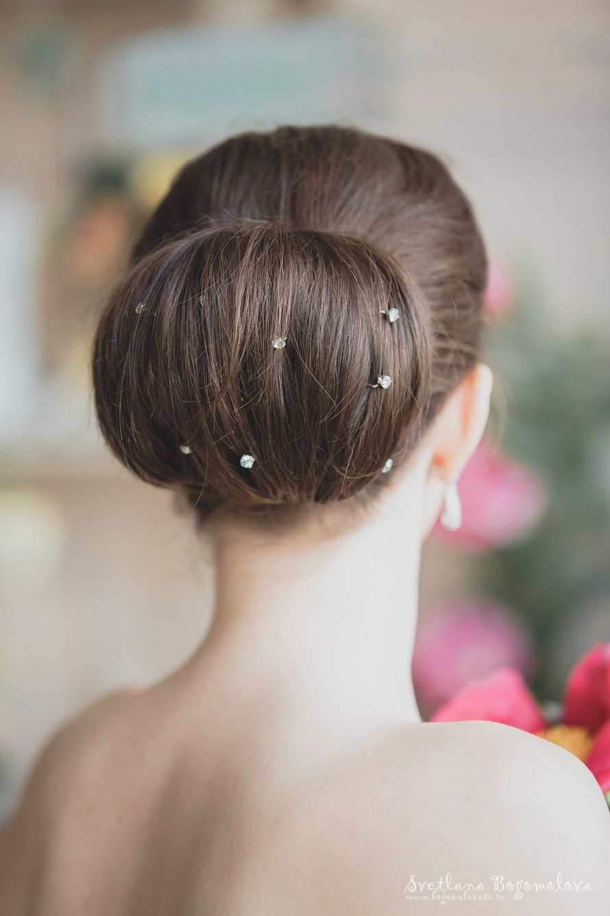 Собранные прически на средние волосы для прекрасных 12