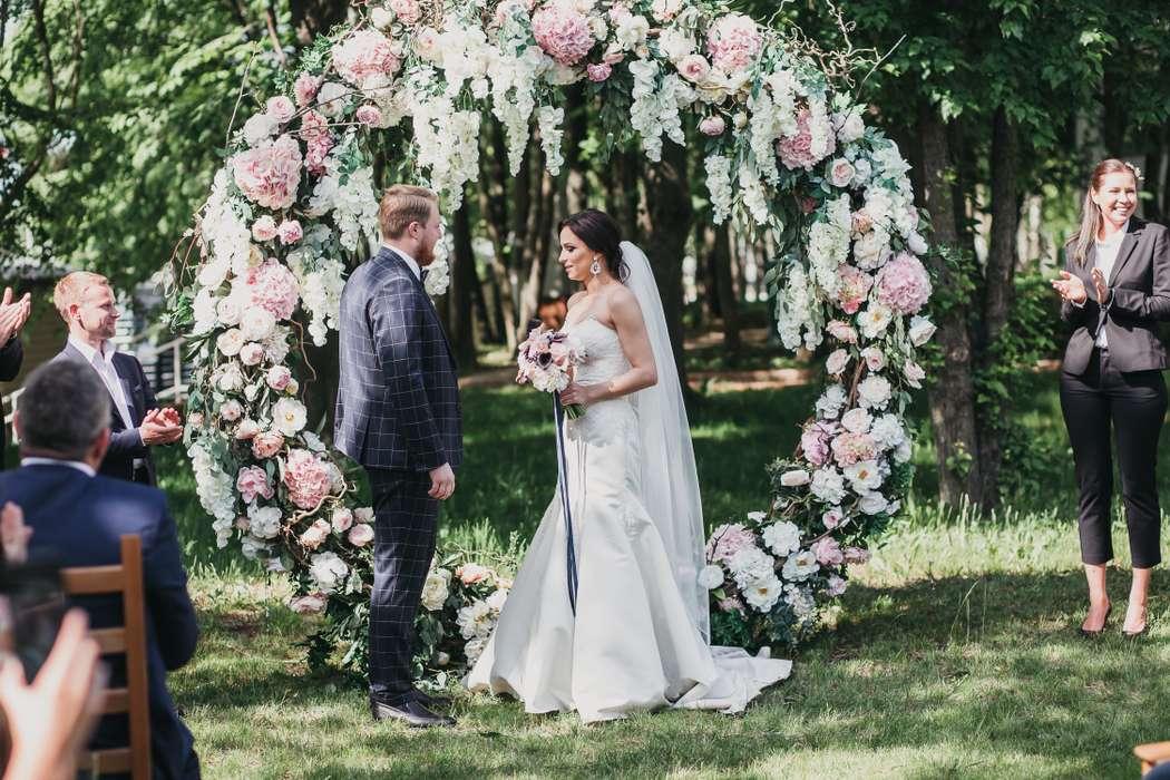 Арка-кольцо - фото 17316296 Premiumflor - декор и флористика