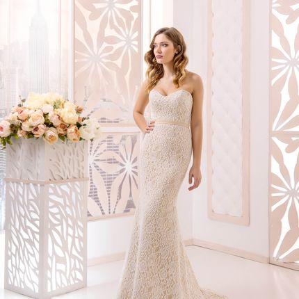 Свадебное платье в аренду, модель А977