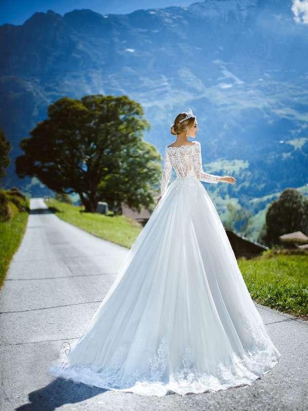"""Свадебное платье А1266. Покупка НОВОГО 22.500р. Прокат свадебных платьев от 1.900 р до 14.500р на три дня. Есть отдельно ряд платьев для проката! - фото 17331818 Свадебный салон """"Лучшая"""""""