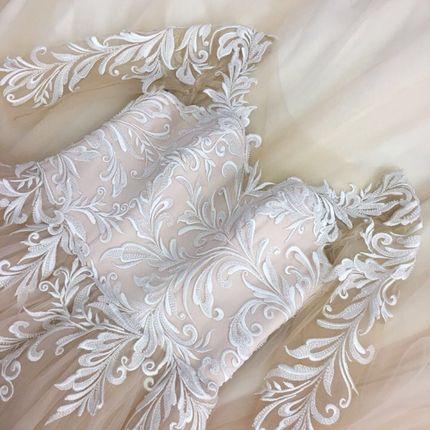 Платье со шлейфом А1392 прокат