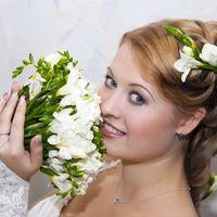 Стилист Ольга Силаева, образ невесты, свадебная прическа для длинных волос с цветами