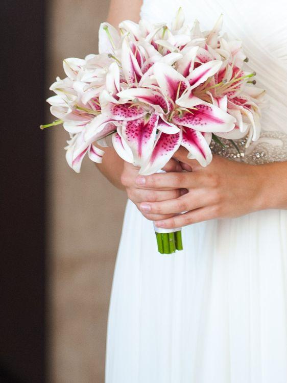 Лилии букет невесты