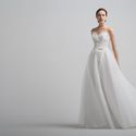 Bounty: платье классического силуэта – принцесса. Но принцесса это необычная, а невероятно трепеная, легкая и нежная. Идеальное строение внутреннего корсета, женственная линия декольте и воздушная фатиновая юбка.  Ткани и материалы: фатин, кружево Цвет