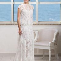Absent: такого кружевного платья вы еще не видели! Удивительное кружево, легкий мотив винтажа, невероятно нежная форма. Это платье для тех, кто ищет необычное решение для своего свадебного образа. Цвет платья: белый, кремовый Ткани и материалы: кружево