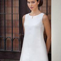 Abba: короткое свадебное платьев в стиле 60х годов. Простой и лаконичный крой, «квадратный декор» лишь подчеркнуть утонченность и женственность обладательницы этого милого платья   Ткани: сатин-микадо Цвет платья: белый, небесный, жемчужный, кремовый