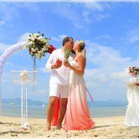 Мы постоянно живем и работаем в Королевстве Таиланд! И знаем все его самые красивые уголки скрытые от глаз туристов и сможем провести для вас  самую яркую и запоминающуюся свадебную церемонию!!!  Свадебные церемонии проходят на Коралловом острове, куда
