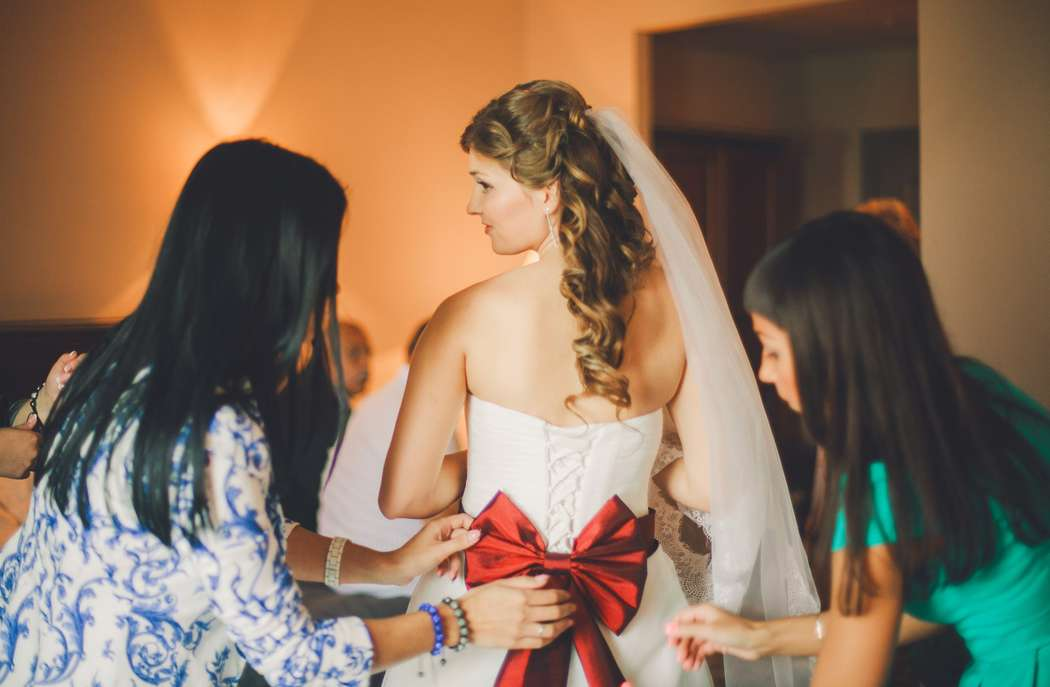 волнение невесты - фото 1855619 Фотостудия Марины Кочаровской