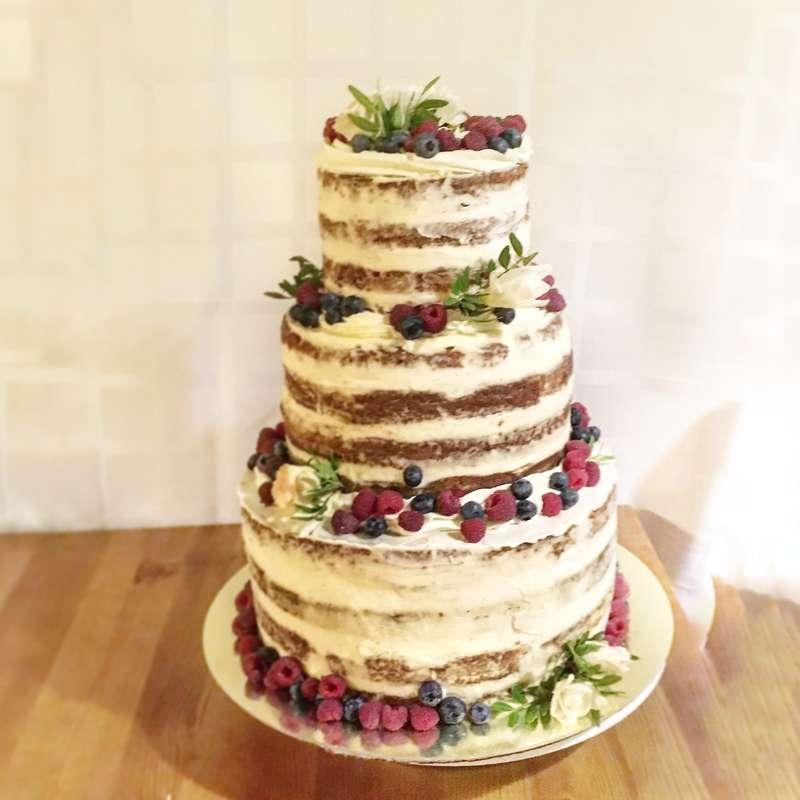 """""""голый"""" торт с ягодным декором - фото 12471988 Sweet - кафе-кондитерская"""