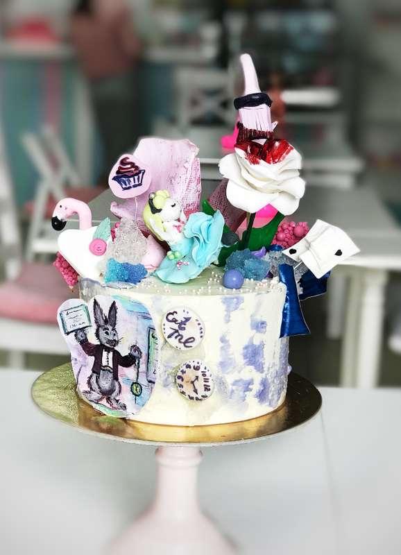 """Торт """"Алиса в стране чудес"""" - фото 17665314 Sweet - кафе-кондитерская"""