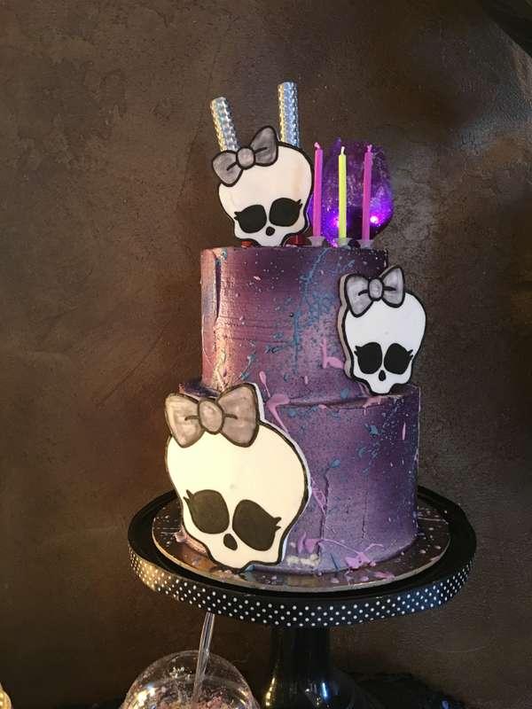 """торт с кремовым покрытием """"Космос""""  стоимость 1900 Р/кг - закажите торт за 1 месяц или ранее и получите каждый 3-ий кг в подарок - фото 17665324 Sweet - кафе-кондитерская"""