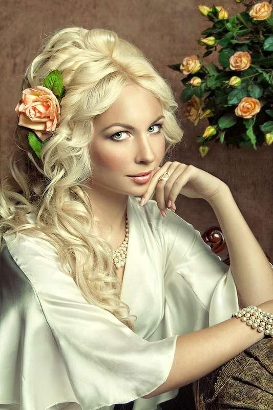 Красивые девушки в разных образах  180952