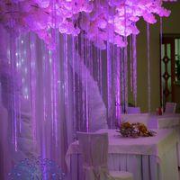 Новый декор для вашего праздника- деревья белой сакуры. Крона, напоминающая облака и создающая такую воздушную и сказочную атмосферу! Здесь мы решили придать кроне розово-сиреневый оттенок.