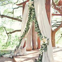 Оформление выездной регистрации в стиле рустик, оформление тканью и живыми цветами, декор беседки на свадьбу