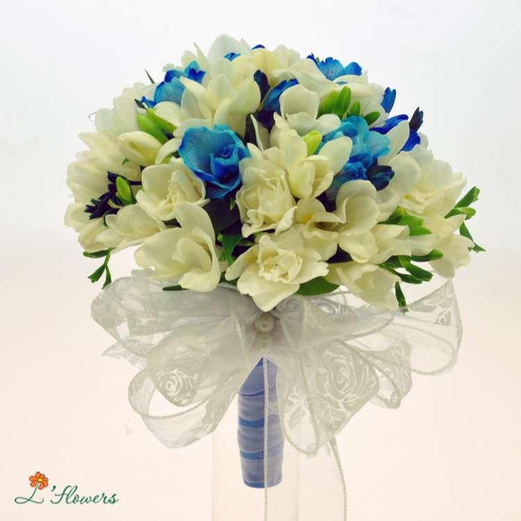 Цветы, купить букет из голубых фрезий киев