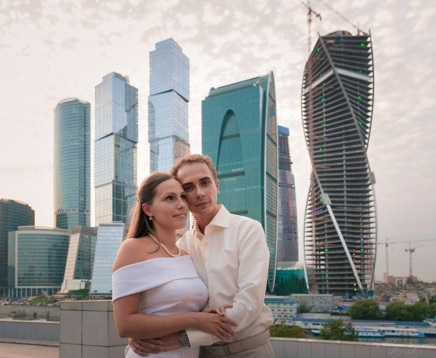 fotosessiya-eroticheskaya-moskva-siti