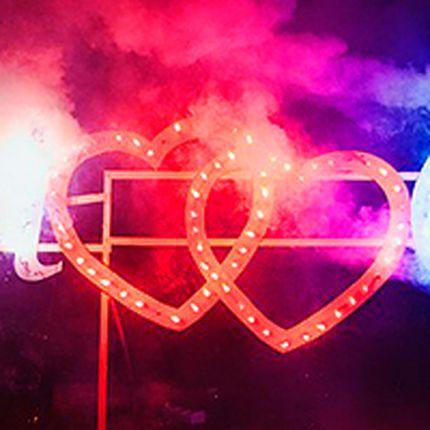 Малые горящие сердца и светодиодное свечение