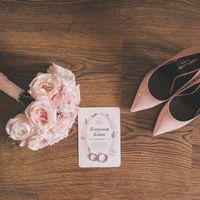 Туфли, букет, приглашения на свадьбу и кольцо - must-have невесты. Букет и приглашения - работа Незабудки.