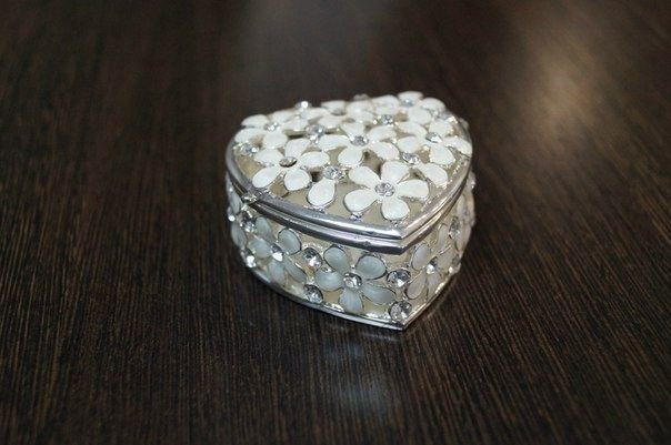 Фото 2217050 в коллекции Свадебные аксессуары - Ваниль - свадебный салон