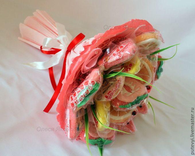 Букет из фруктов и конфет пошаговое