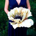 Новый тренд - бумажные цветы, прекрасно подходят для оформления фото зон, могут быть элементом декора или фотосессии