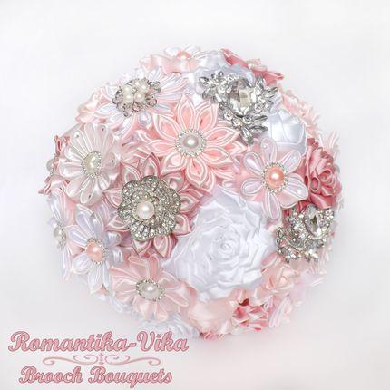 Брошь-букет канзаши розово-белый