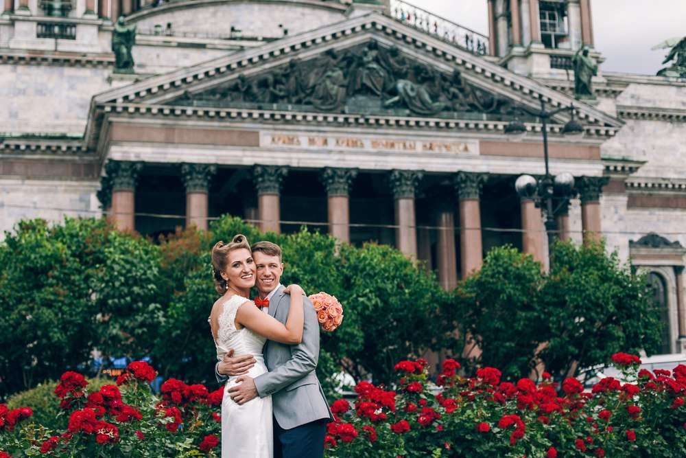 Моя самая счастливая невеста сезона, только в день их свадьбы в Питере в середине лета шел снег!  Фотограф [id70608|Катя Каточек] - фото 8433070 Стилист-визажист Катрина Петренко
