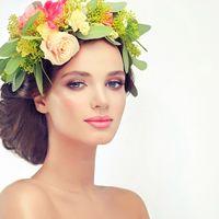 брюнетка, свежий макияж, розовые тона, есстественный