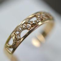 Кольцо женское из красного золота 585 с бриллиантами
