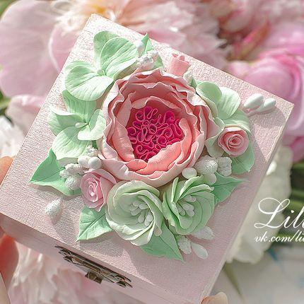 Коробочка для колец с цветами из полимерной глины