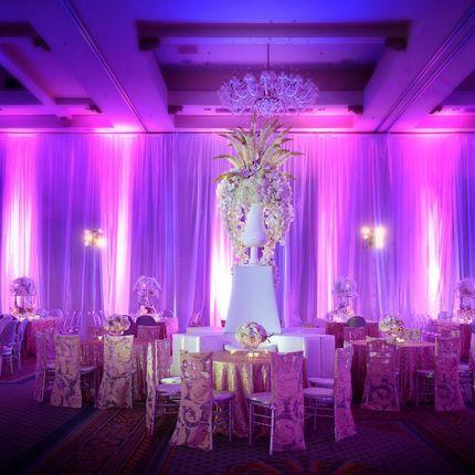 Световое архитектурное оформление свадьбы