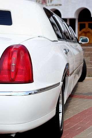 Линкольн таун кар - фото 2349630 Лимузин Сервис - автомобили на свадьбу