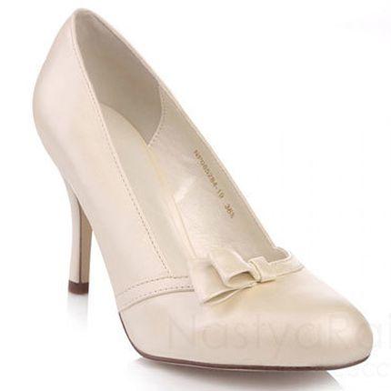 Свадебные туфли с закругленным носом и бантом