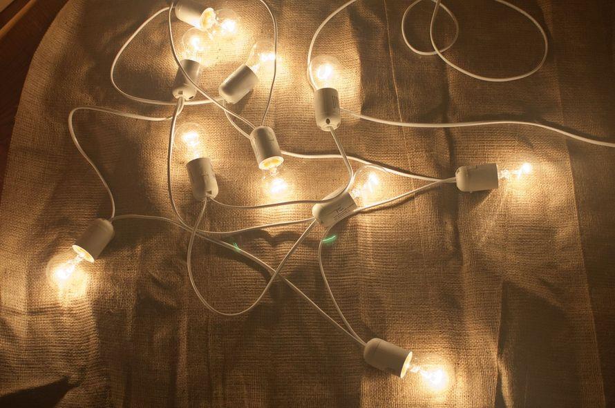 Как сделать гирлянду из обычных лампочек