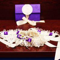 подвязка и свадебное приглашение