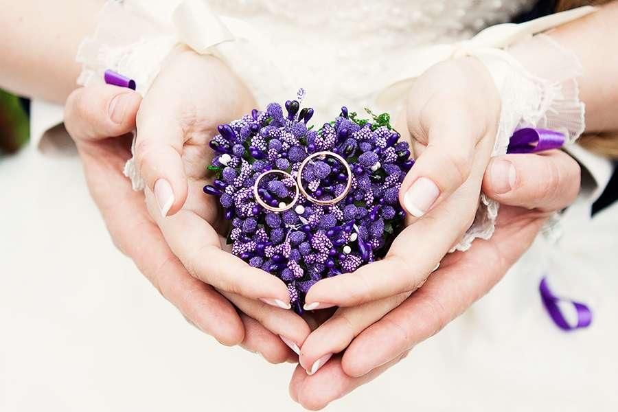Картинка с днем свадьбы сиреневая, пожеланием