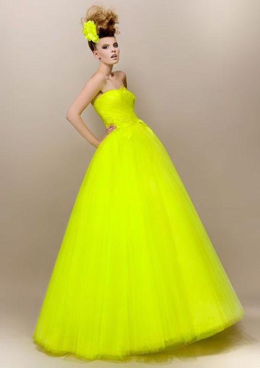 Фото яркие свадебные платья